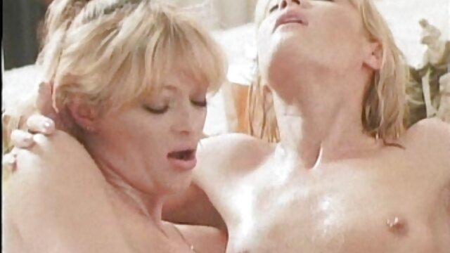 Gros seins video pournou femme baise